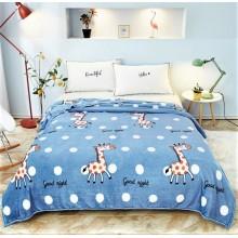 Patura Cocolino pufoasa pentru pat dublu 200 x 230 cm Bleu cu girafe