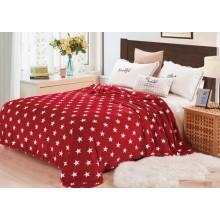 Patura Cocolino pufoasa pentru pat dublu 200 x 230 cm Rosie cu stelute
