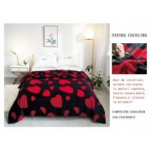 Patura Cocolino gofrata pentru pat dublu 200 x 230 cm Neagra cu inimi rosii