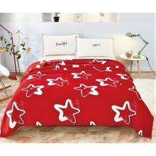 Patura Cocolino pufoasa pentru pat dublu 200 x 230 cm Rosie cu stele albe