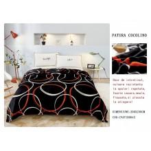Patura Cocolino pufoasa pentru pat dublu 200 x 230 cm Neagra cu cercuri